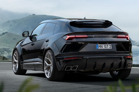 23 inch wheels and a 25mm lowered suspension by Novitec on this black Urus